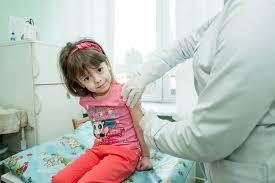 Які вакцини є в Україні і що робити, якщо у медзакладі їх немає